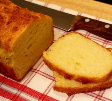 Бърз кашкавален хляб
