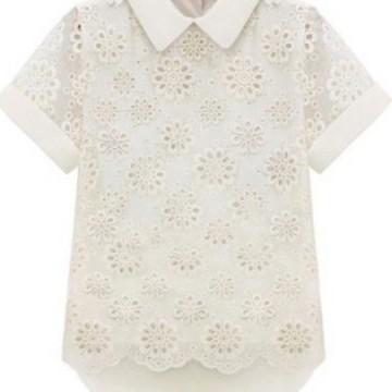 Бяла блуза с якичка и красиви мотиви