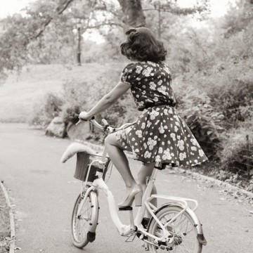 Ето как да карате колело с пола, без да падат трупове след вас