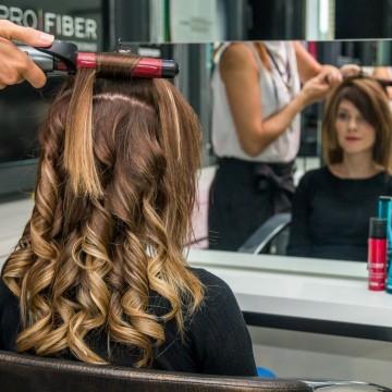Академия Л'Ореал България: Коафьор на фризьорския стол