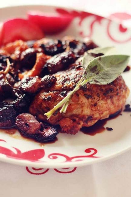 Италиански дни: Печено пиле с грозде и салвия