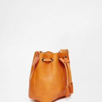 Малка кожена чанта
