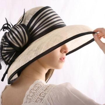 """Вълшебната """"Къща на шапките"""" на Ирина Сардарева"""