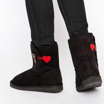 Черни ботуши Love Moschino