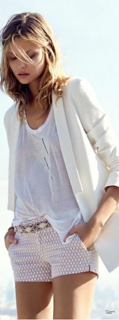 29 стайлинг идеи как се носи бяла тениска