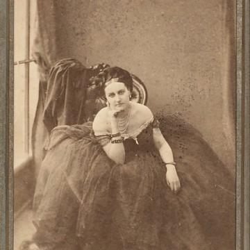 Графиня Кастилионе – първият фотомодел в света