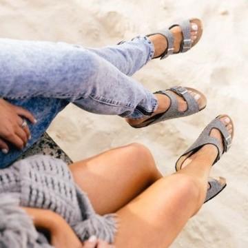 Как се носят спортни чехли през лятото