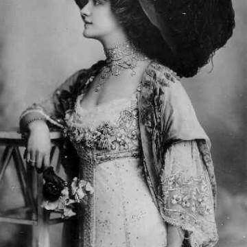 Любов, страст и бельо – животът на лейди Люсил Гордън