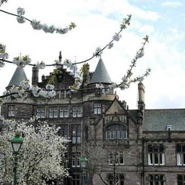 Единбург: стар град с младежки дух