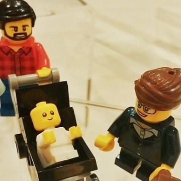 Lego пускат фигурка на татко в бащинство