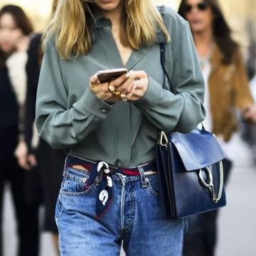22 стайлинг идеи как да носите малък копринен шал