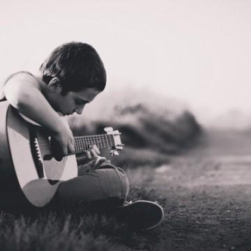 Прави ли музиката по-умни децата ни?