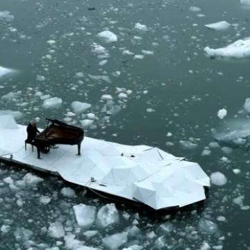 Да свириш на пиано насред Северния ледовит океан