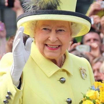 90 години кралски стил – тайните на Елизабет ІІ