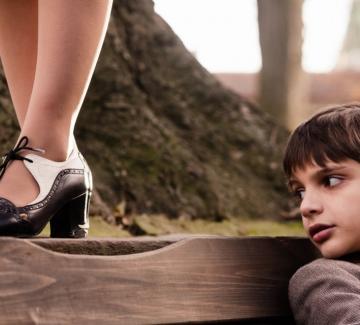 """Пеещите обувки"" - филм за Леа Иванова"