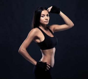 14 упражнения за изваян бюст и секси рамене