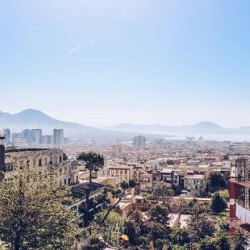 Неапол – стръмни улици, великолепие на всяка крачка и ужасно вкусна храна