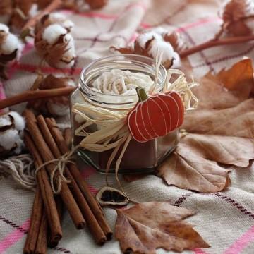 Сладки есенни аромати в новата колекция свещи Gancini
