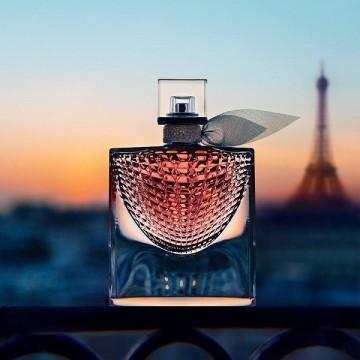 Подаряваме ви парфюма La vie est belle L'Éclat на Lancôme