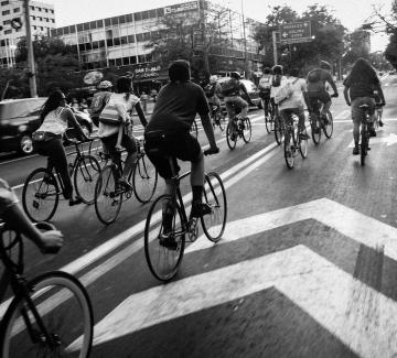 Лошите шофьори срещу добрите колоездачи, новата война в София