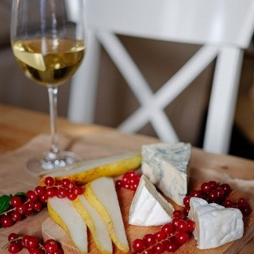 С какви сирена се съчетават бели вина и розе