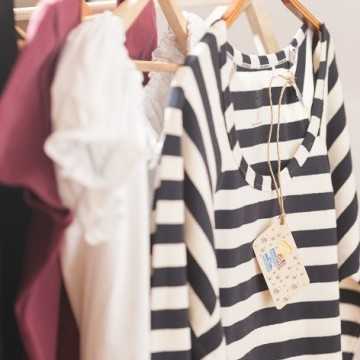 Basic линията дрехи, която едно българско момиче създаде