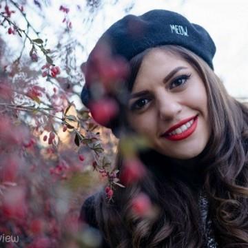 Михаела Филева: Предпочитам да живея в свят, в който хората обичат да се усмихват един на друг