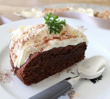 Сладкиш с черен шоколад и спелта