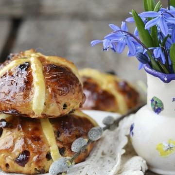 Сладки великденски хлебчета вместо козунак