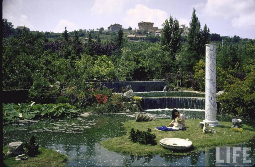 В римската вила на София Лорен през 1964 г.
