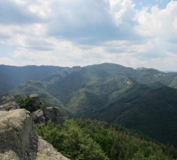 Скалата Белинташ в Родопите