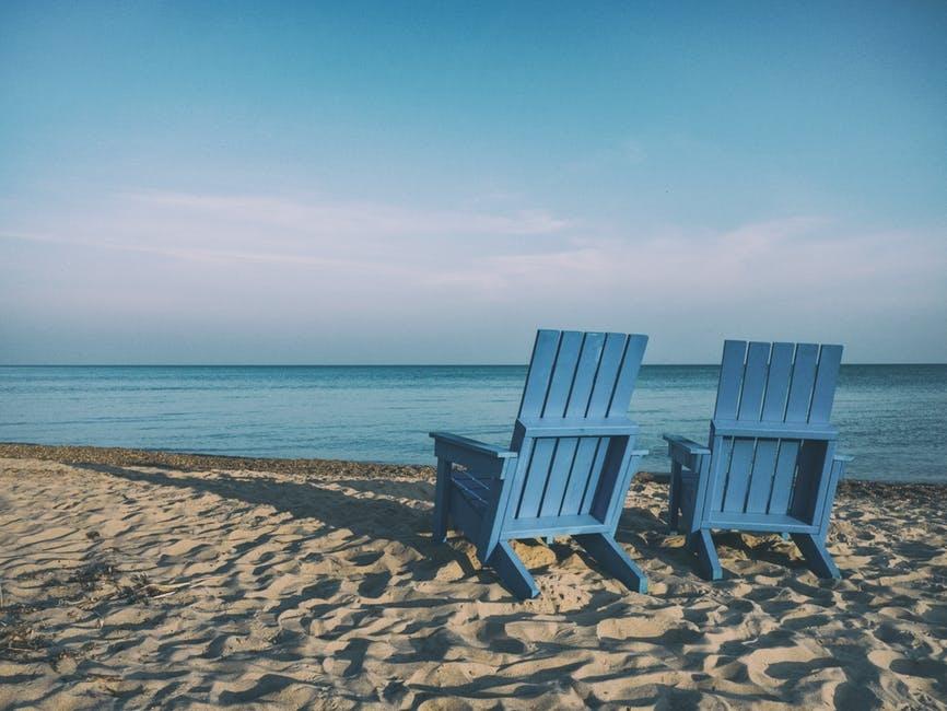 8 български парчета, които ни пренасят на плажа