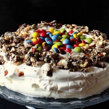 Великденско меню: Торта Merveilleux с кафе и лешници
