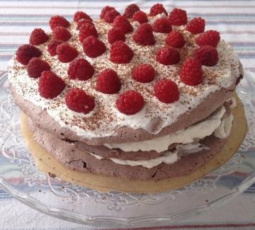 "Шоколадова торта ""Павлова"" с малини"