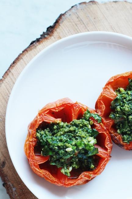 Печен домат от собствена градина!