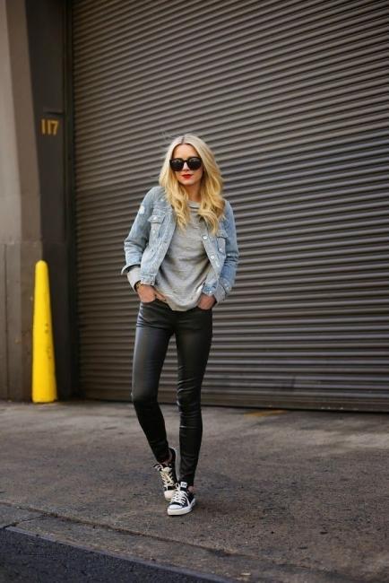 26 стайлинг идеи как да носите своето яке от деним през есента