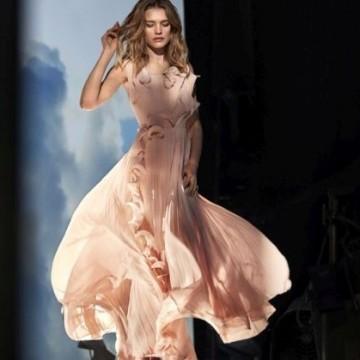 Знаете ли от какво е направена тази красива рокля?