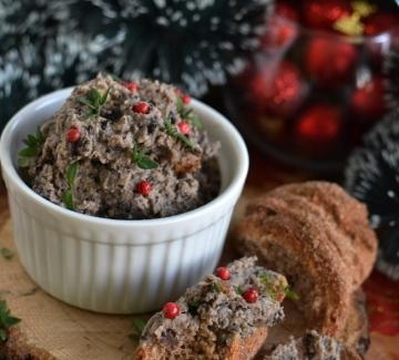 Коледен пастет от черен боб