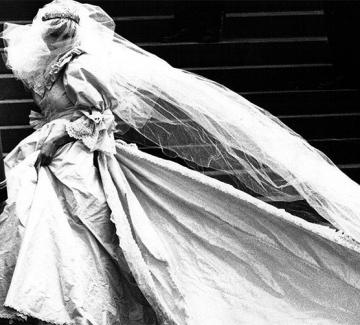 Даяна: Модната история на една тъжна принцеса