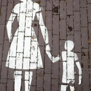 Моделите на привързаност на детето към майката влияят на целия ни живот