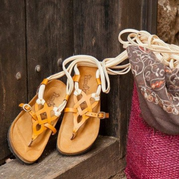 Страхотни сандали за градски момичета и момчета