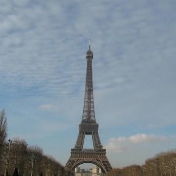 Париж ми отива