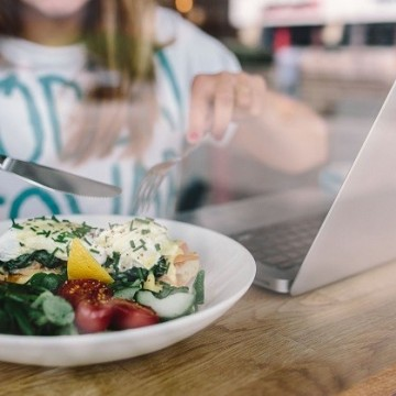 12 вредни навика, които забавят вашия метаболизъм