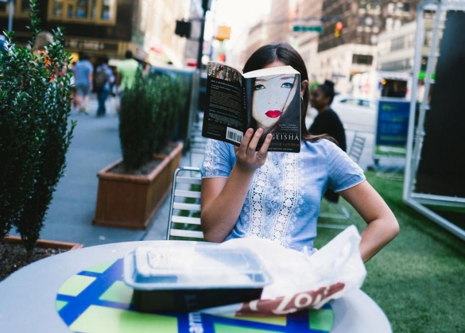 23 снимки от улиците на Ню Йорк, които показват красотата на случайността