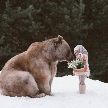 Как мечката Степан участва във фотосесия