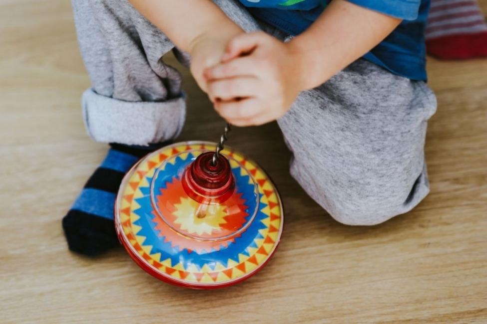 От колко играчки има нужда едно дете?