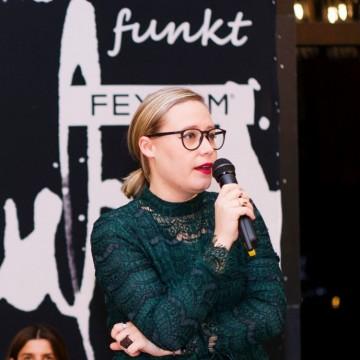 Ирена Иванова по лична карта и Рене Карабаш според корицата на книгата