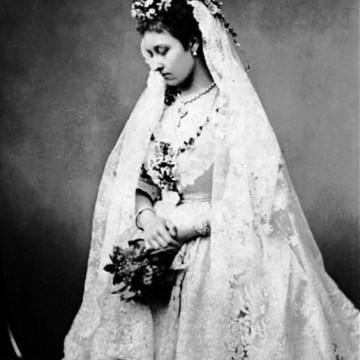 18 от най-знаковите кралски сватби (и рокли) в историята