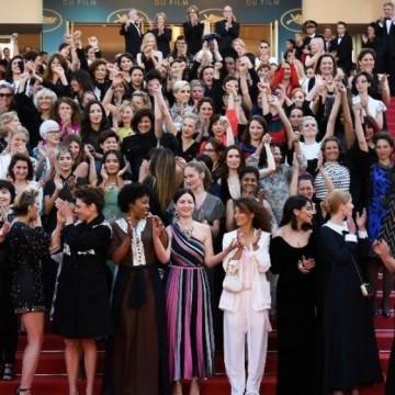 82 жени на червения килим в Кан