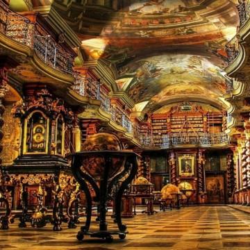 17 неземно красиви библиотеки